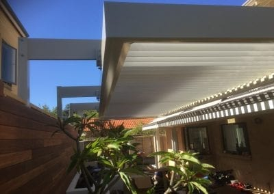 Suspended opening roof
