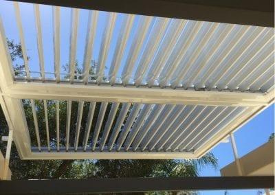 Solar Pergola dual bank white