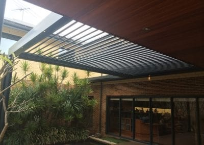 Louver roof single bank blue